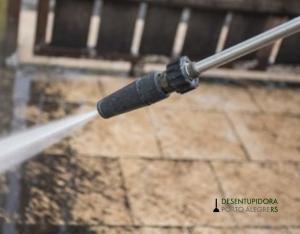 Hidrojato auxilia na limpeza e desentupimento de encanamentos